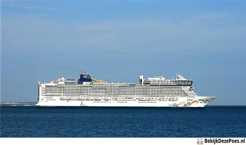 3. Norwegian Epic